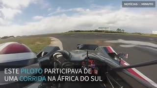 Piloto escapa após carro pegar fogo durante corrida