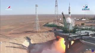 Imágenes del lanzamiento de la nave tripulada Soyuz MS-17