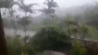 Videos captan paso del huracán Gonzalo por Centroamérica 2
