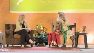 Can Women Leaders Make the World More Peaceful?   Arianna Huffington and Sadhguru