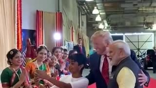 PM of india and President Donald Trump takes pictures with kids!