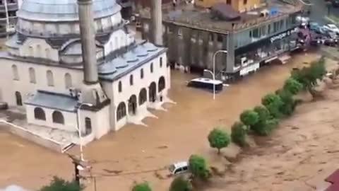 The northeastern provinces on the Black Sea coast of Turkey are flooded.