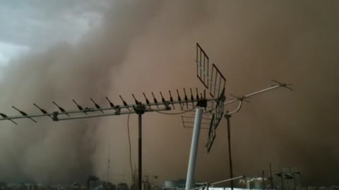 Apocalyptic dust storm hits Tehran, Iran