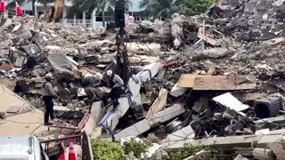Florida rescue crews collapsed building debris
