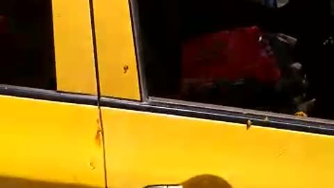 pelea de taxista y pasajero