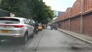 Hombre atacó con una muleta a un grupo de alféreces en Bucaramanga