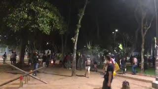 Video: Queman el CAI del Parque de los Niños y un Davivienda en Bucaramanga