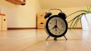 ASMR white noise, relaxing ticking clock