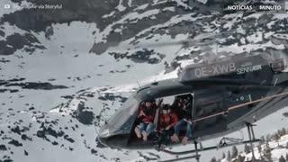 Veja os alpes austríacos de um helicóptero!