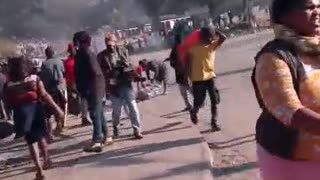 South Africans looting in Umzinto