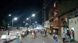 Reportan enfrentamientos entre manifestantes y Policía en los alrededores de la UIS