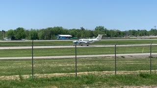 Plane spotting Rochester Airport May 24th 2021!