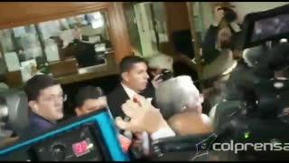 Video: Ingreso de Uribe a la Corte