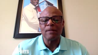 Warren Moon says Kaepernick should have chance to return