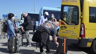 """UE acuerda promulgar el certificado covid para recuperrar la movilidad """"sin barreras"""""""
