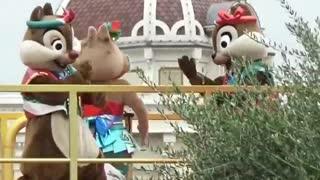 Special Chipmunks dance on Street Show