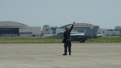 Super Hornets arriving to NAF Atsugi