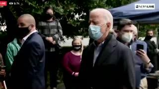 Reporters walk away from bumbling Biden