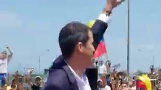 Guaidó hace regreso triunfal a Venezuela para redoblar acciones contra Maduro