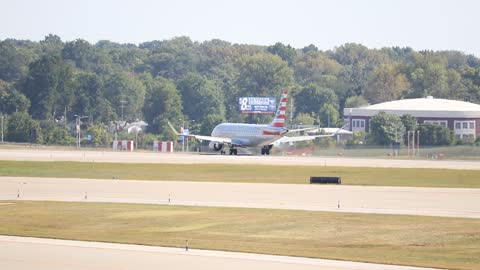 American Airlines Embraer 170/175 Landing at St. Louis Lambert Intl from Chicago O'Hare Intl