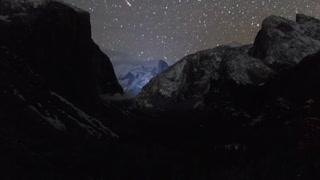 Breathtaking Yosemite Sky Time-Lapse
