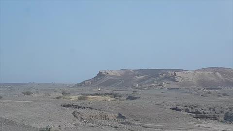 ตามหาอูฐ Looking for Camels in Sharjah desert.