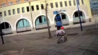 A cute little girl did salsa dance on bicycle 🥰