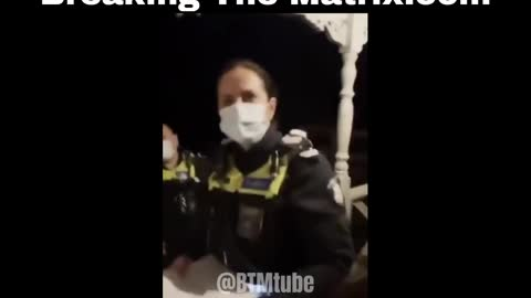 Brave Man telling Aussie Police they've sold out to Corrupt Govt