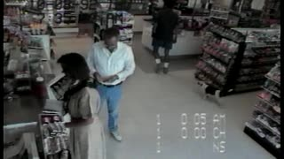 Security Footage Shows Dog Robbing Convenience Store