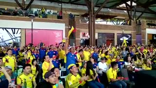 Gol de Colombia ante Polonia en Centro Comercial