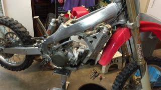 Remove stubborn motorcycle cylinder from case