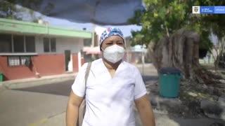 Primera mujer que será vacunada en Colombia.
