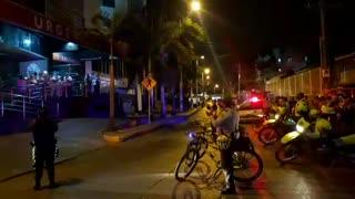 Policía realiza a homenaje a médicos