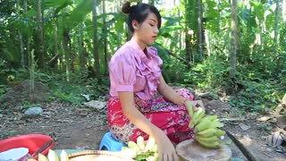 Yummy grill banana with coconut recipe _ Cooking skills _ Khmer Survival Skills