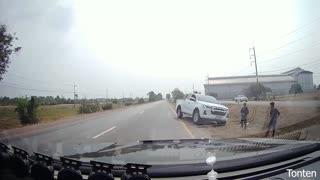 Reactive Drivers Avoid Turning Truck