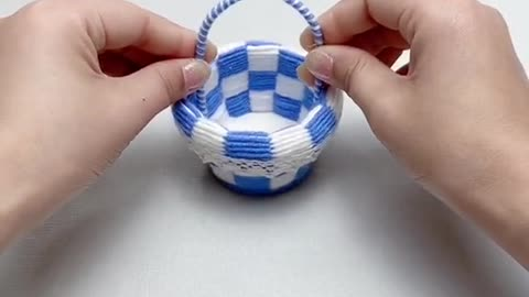 Here comes the wool lattice flower basket tutorial