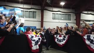 Bloomberg anima a votar a Joe Biden