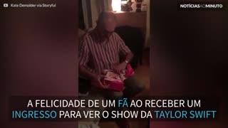 Pai fica radiante ao ganhar bilhete para show de Taylor Swift