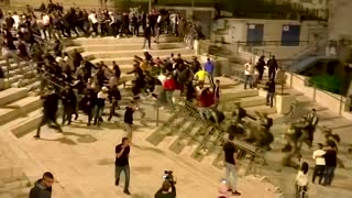 Israeli police clash with Palestinians in East Jerusalem