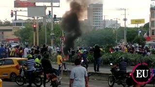 Fuertes enfrentamientos entre manifestantes y Policía en Cartagena