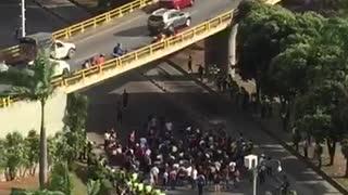 Avanza plantón en la Puerta del Sol de Bucaramanga por Paro Nacional