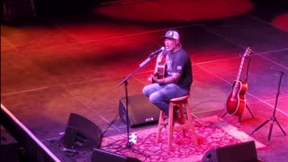 """Aaron Lewis Live in Concert Performs """"Am I The Only One"""""""