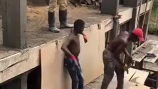 Watch how this construction workers make leg works easy