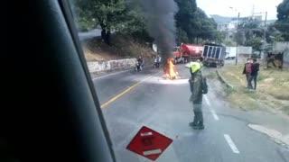 Tras accidente, motocicleta se incendió en el norte de Bucaramanga