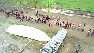 U.S.-bound migrants crowd Colombia's Caribbean coast