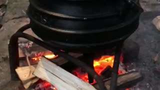 Amazing slow motion footage of a pot on the fire