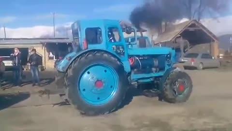Hummer vs Tracktor zakatala kavkaz