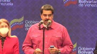Nicolás Maduro vota en las parlamentarias