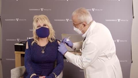 Dolly Parton Gets Vaccine
