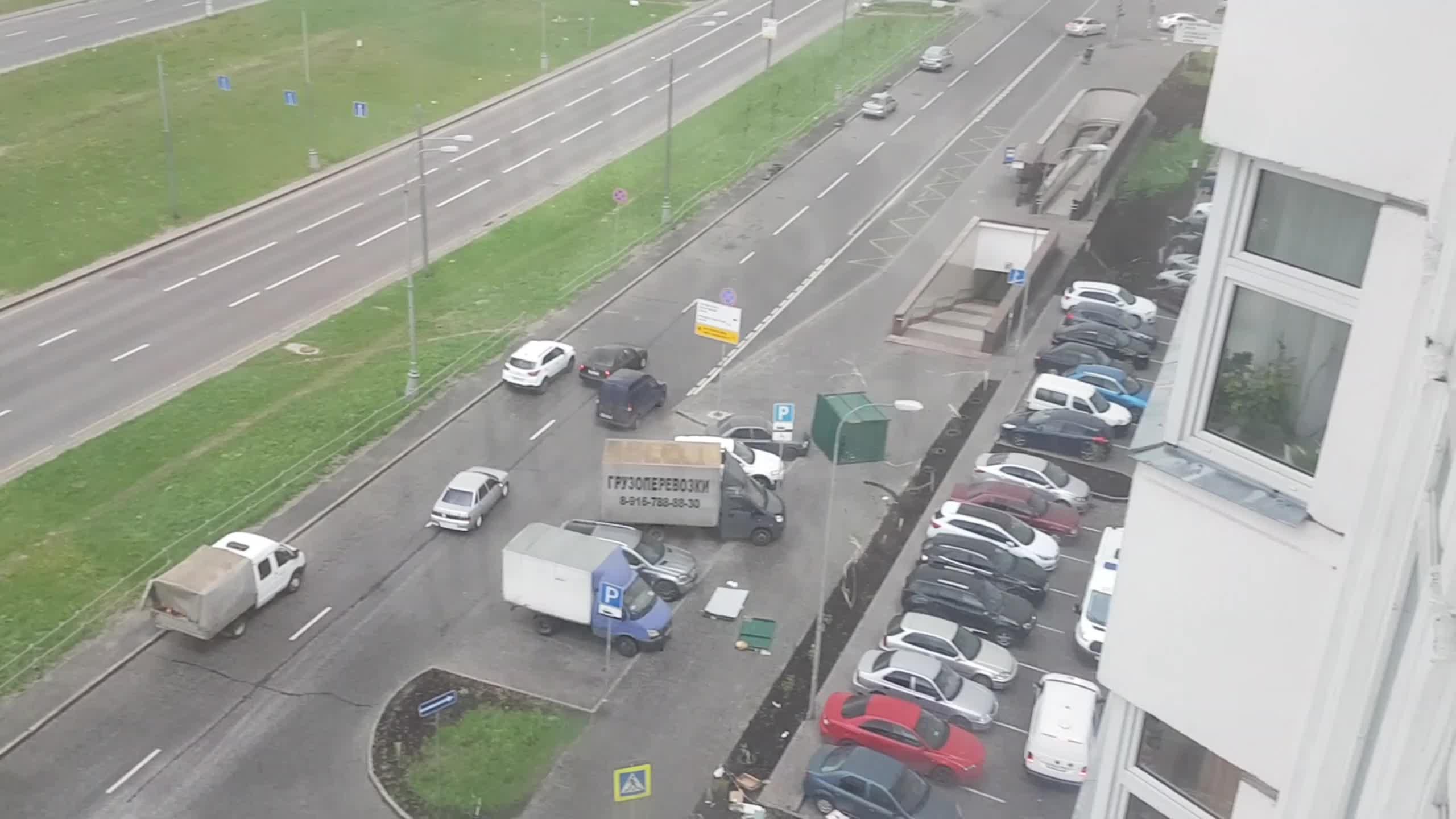 Russisk mann «slukes» av løpsk søppelskjul